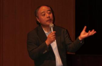 """西田博:ともにもっと医学を学び""""看護の殻""""を破ることが""""全人的""""医療の基本だ"""